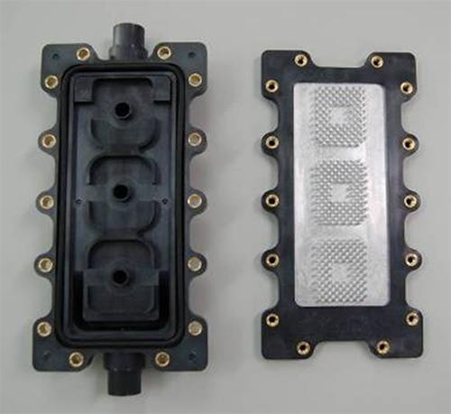 ダイカストアルミと樹脂の接合_写真