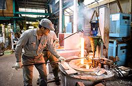ソルトバス炉を使用した金属熱処理