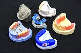「Made by SANWA」の歯科技工物